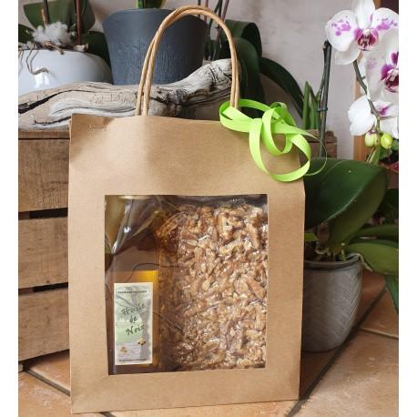 Coffret 500g de noix décortiquées (cerneaux) et 1 bouteille d'huile de noix de 25cl